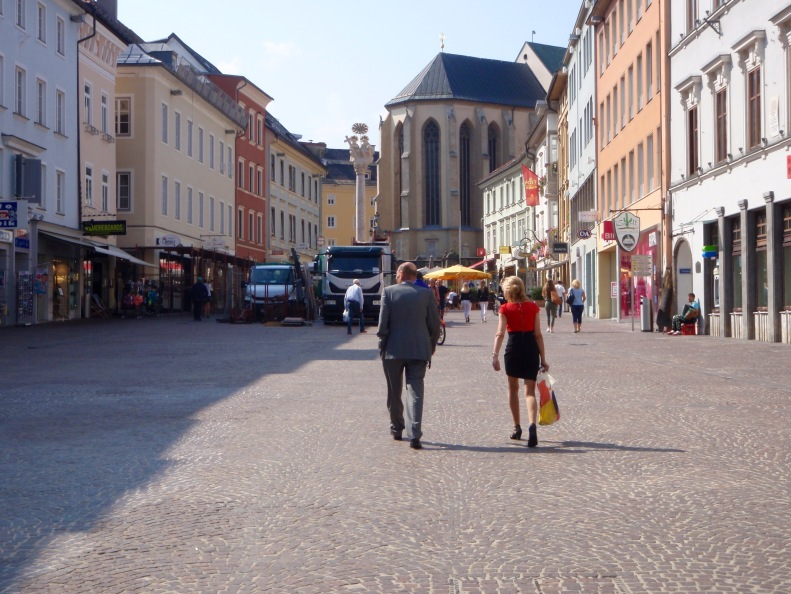 Walking through Villach in search of Cafe Rainer and the rest of the ExPlus bike gang.