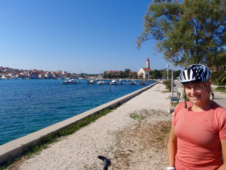Sun's out, time to go (goodbye Trogir, in the background).