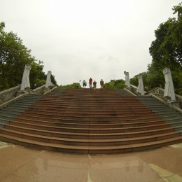 Climbing the 373 stairs (yep, I'm a dork) to the war monument.