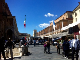 A little walk through centro (downtown) in Faenza on market day...