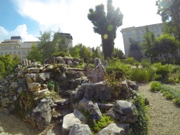 Cactus and stone gardens in the sunshine...